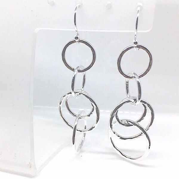 Silver circle dangly earrings. Interlinking stacking circles